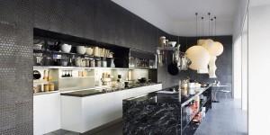 Black-marble-kitchen-island